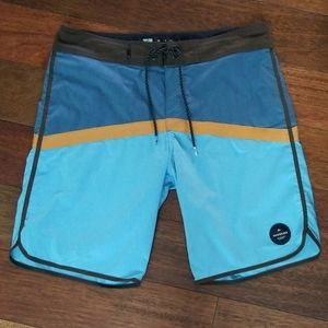 Quiksilver | Board Shorts